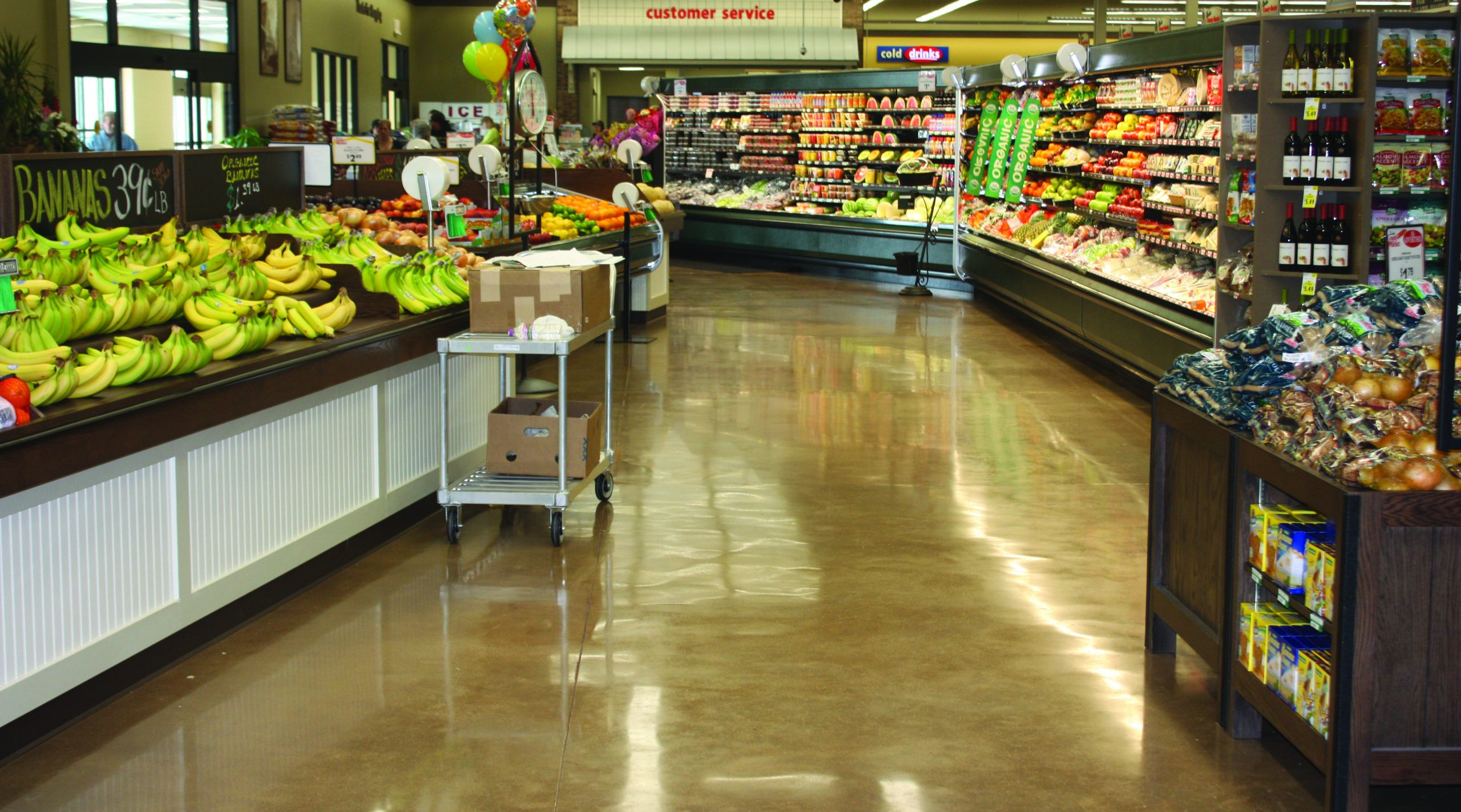 Grocery store polished concrete floor